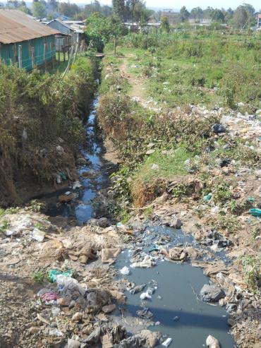 Plastic kwa mtaro